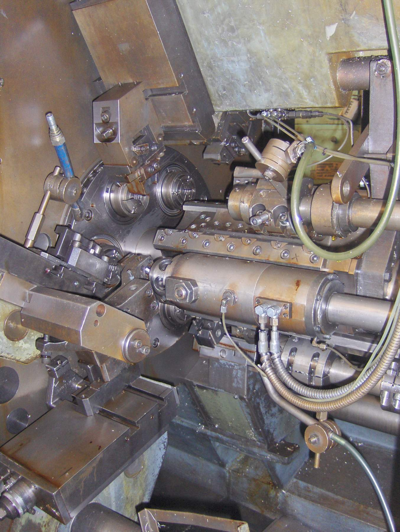 Lot 21 - Schutte Model SF 40-6, 6-Spindle Automatic Lathe