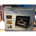 "1 BOXED TEXET 7"" DIGITAL PICTURE FRAME IN BLACK / RRP £29.99 (PUBLIC VIEWING AVAILABLE)"