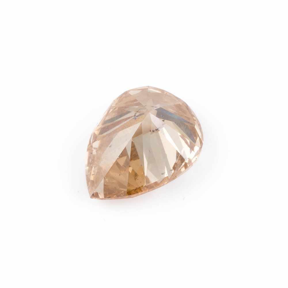 UNGEFASSTER DIAMANT - 10.40 CARAT Diamant im Tropfenschliff. 16.19 x 12.02 x 8.73 mm, 10.40 ct.. - Image 2 of 4