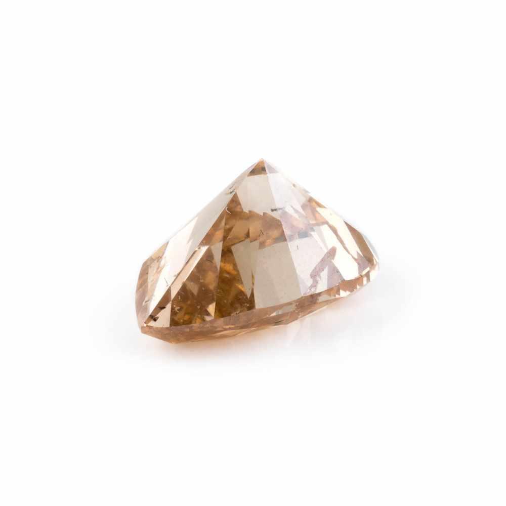 UNGEFASSTER DIAMANT - 10.40 CARAT Diamant im Tropfenschliff. 16.19 x 12.02 x 8.73 mm, 10.40 ct..