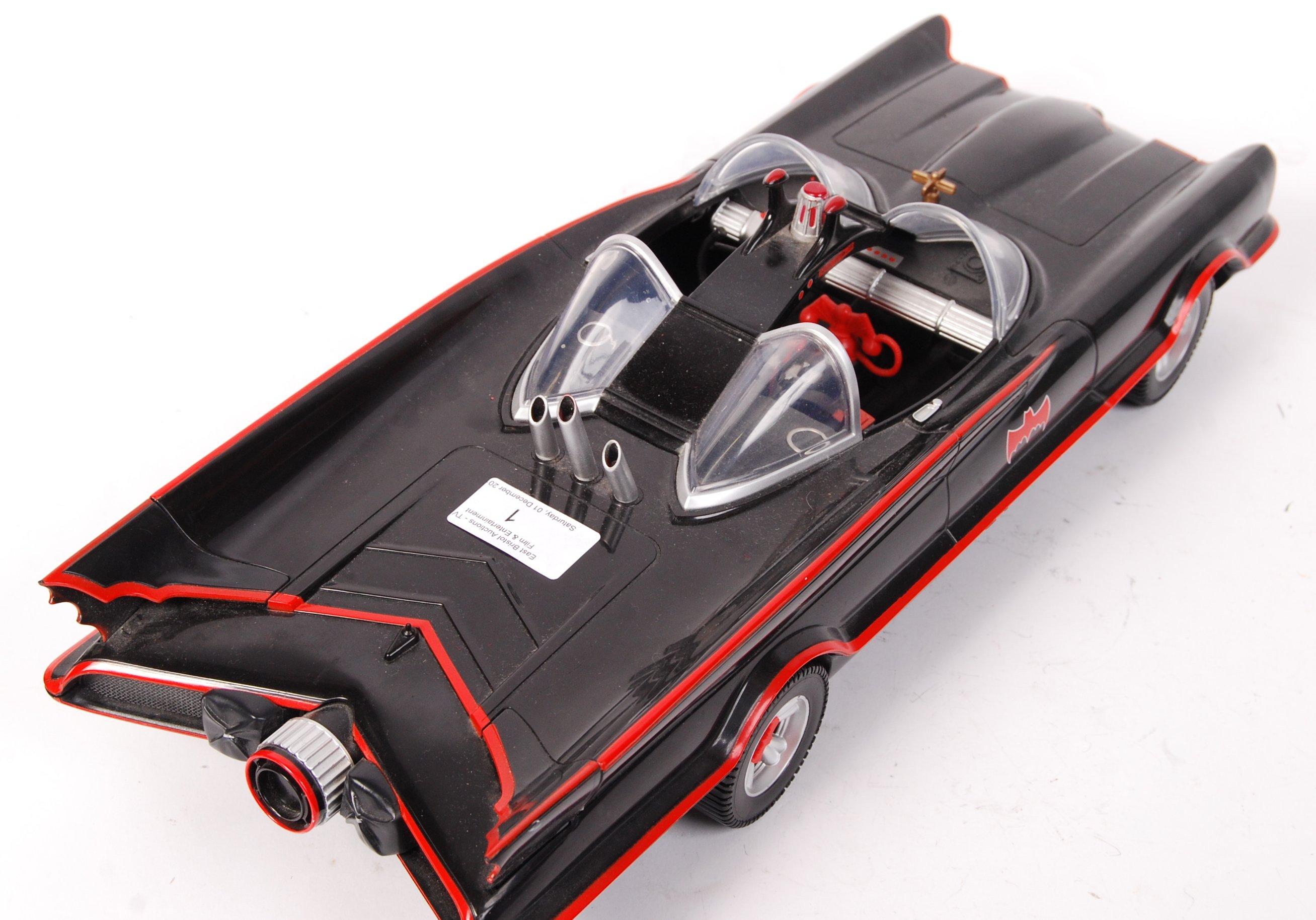 Lot 1 - MATTEL BATMAN LARGE SCALE MODEL BATMOBILE
