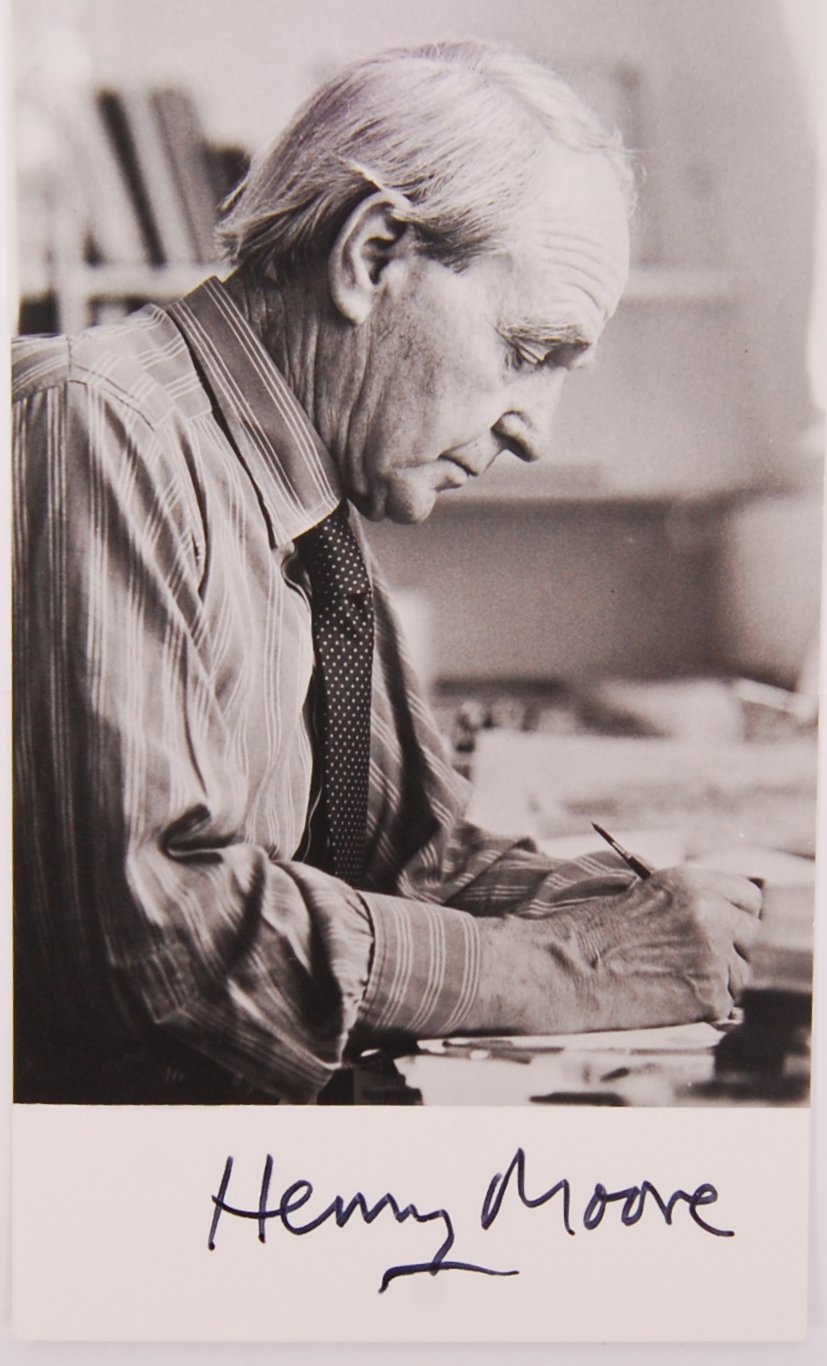 Lot 22 - HENRY MOORE - BRITISH ARTIST & SCULPTOR - SIGNED PHOTOGRAPH