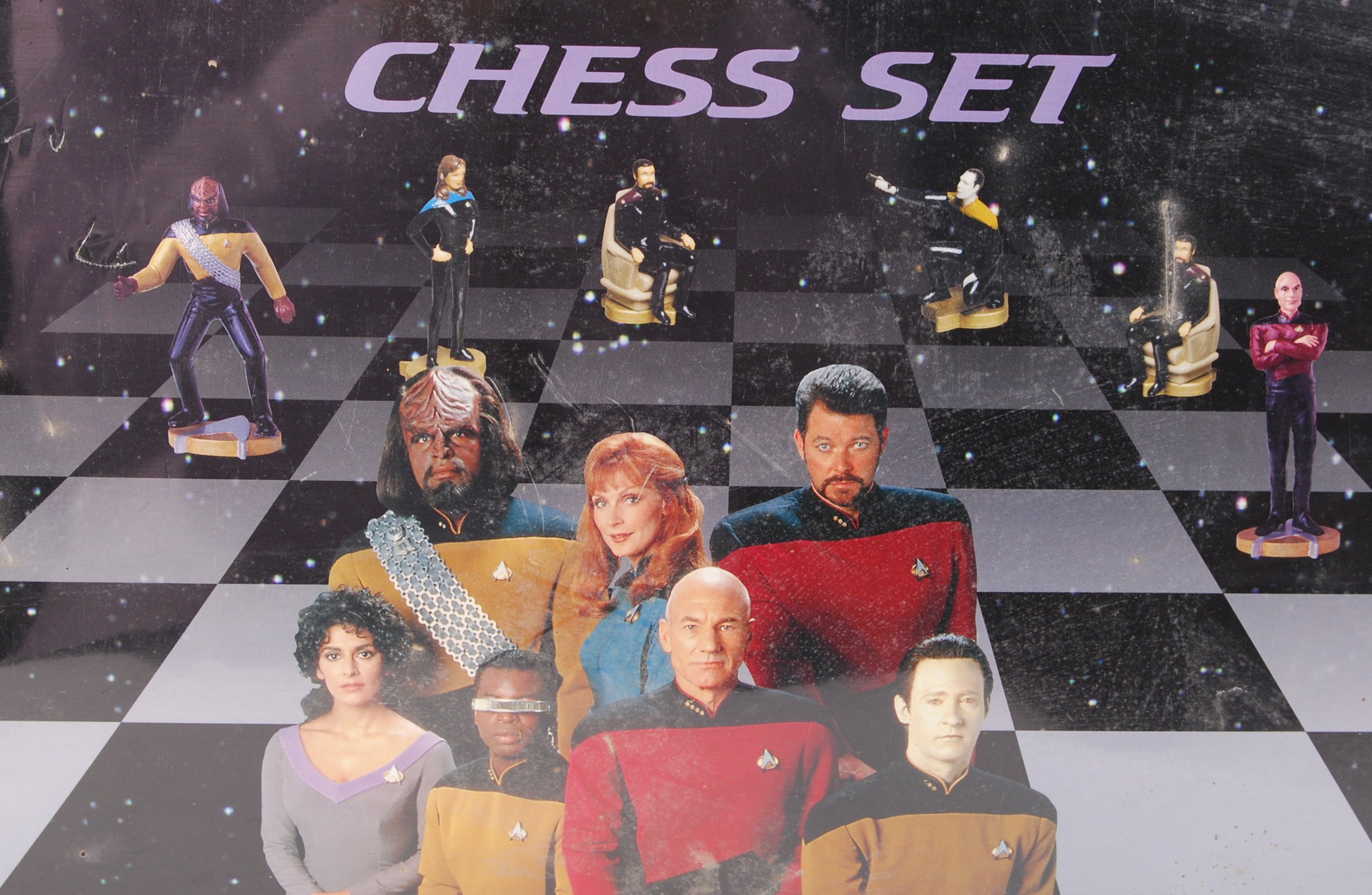 Lot 19 - STAR TREK THE NEXT GENERATION ' CHESS SET ' FACTORY SEALED