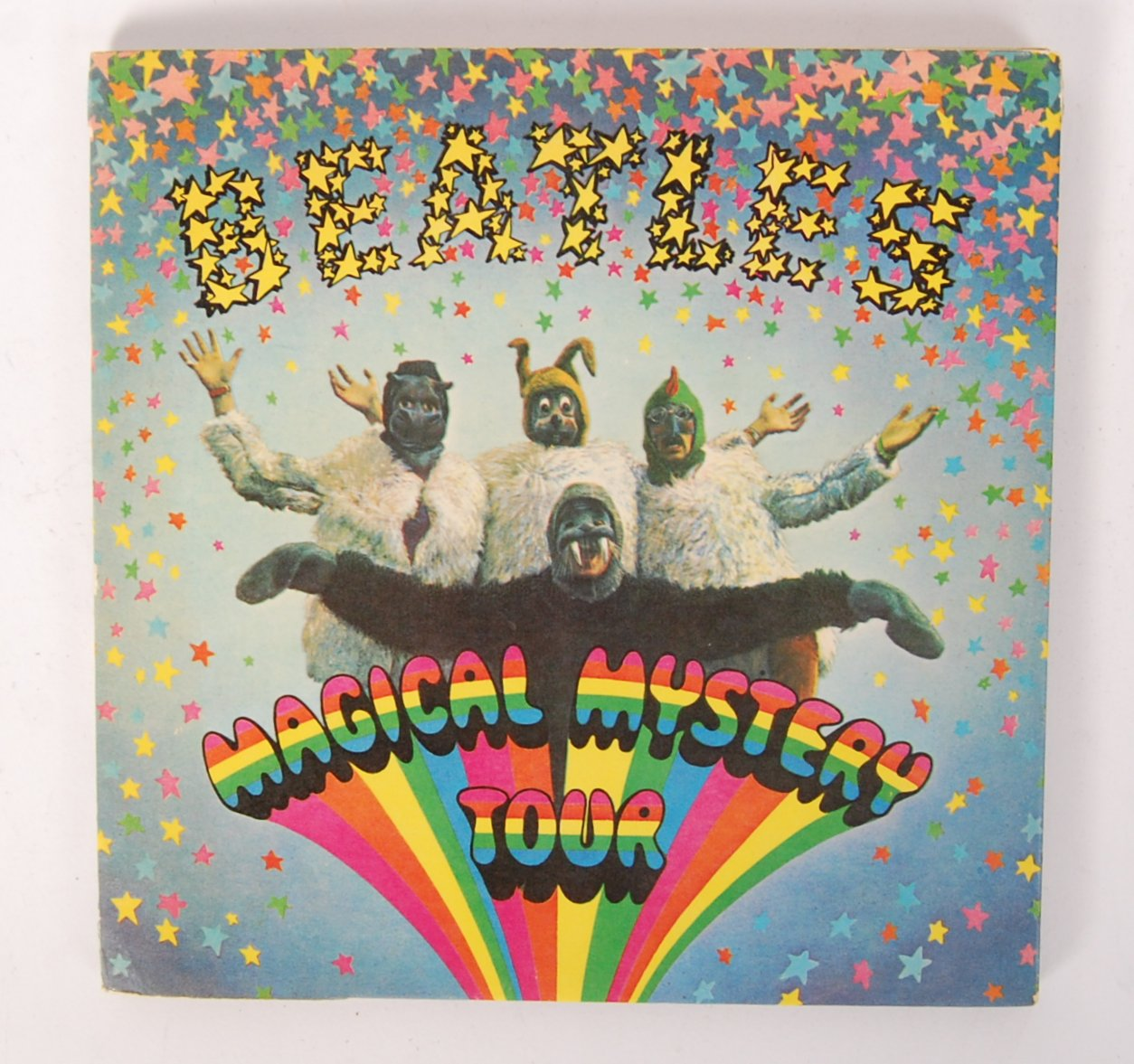 Lot 30 - AUTOGRAPHED 'THE BEATLES' MAGICAL MYSTERY TOUR 45RPM RECORD