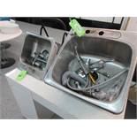 Lot of 2 stainless steel sinks
