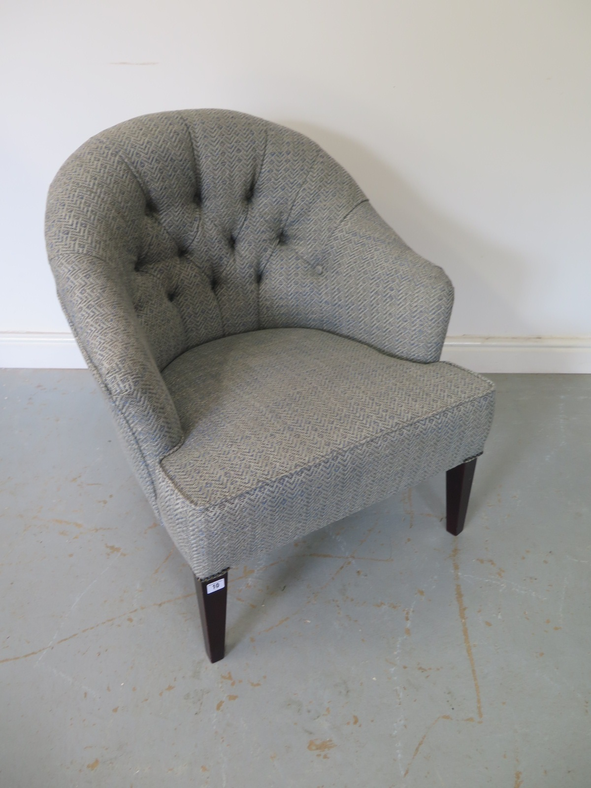 Lot 10 - A modern tub chair, in good condition