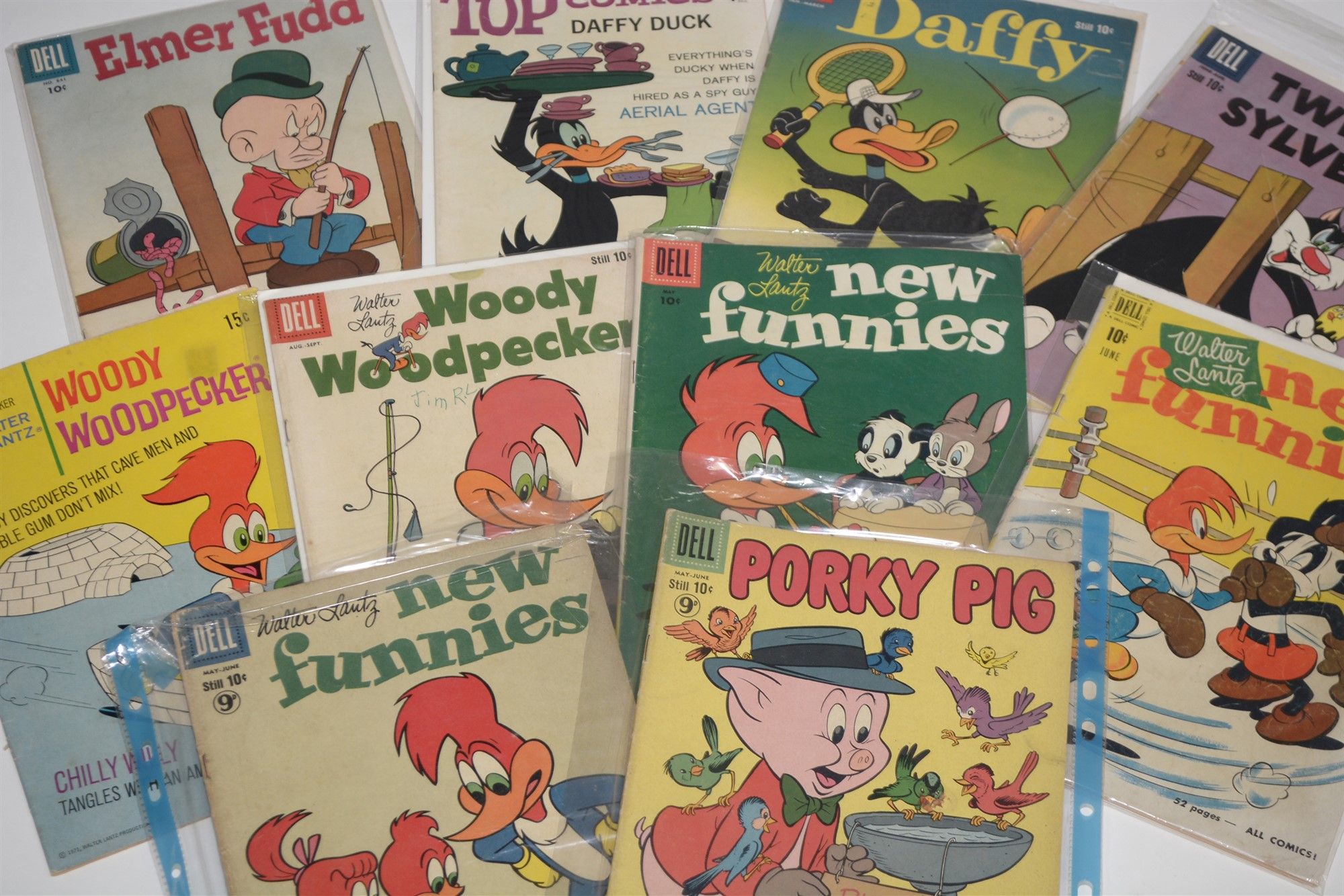 Dell Comics, humour titles including: Road Runner, Daffy and Looney Tunes: and New Funnies Woody - Image 2 of 4