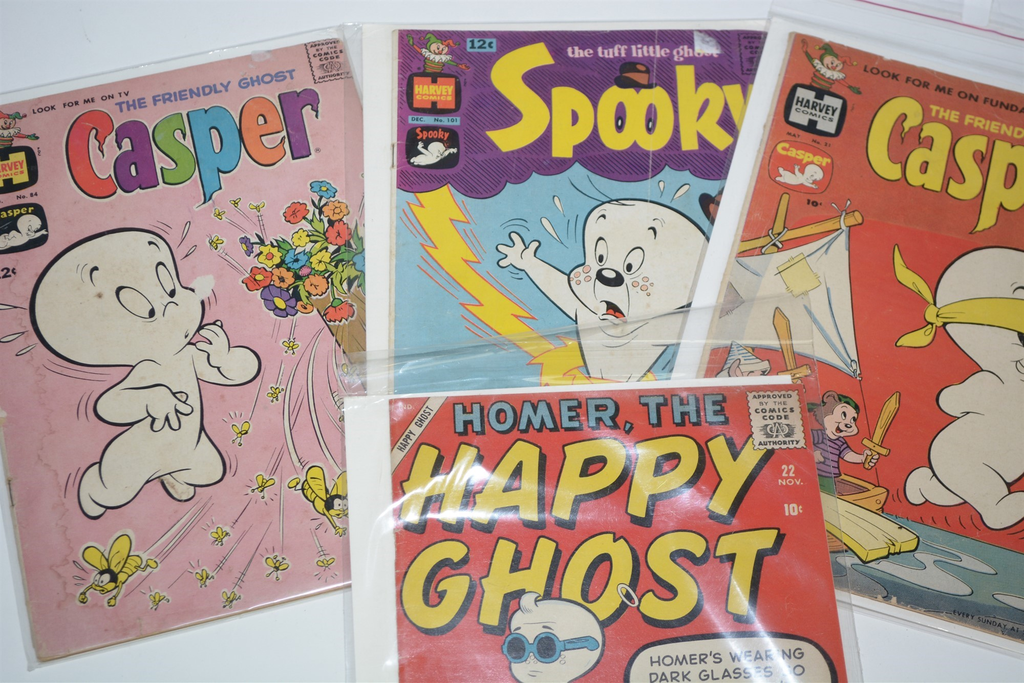 Dell Comics, humour titles including: Road Runner, Daffy and Looney Tunes: and New Funnies Woody - Image 3 of 4