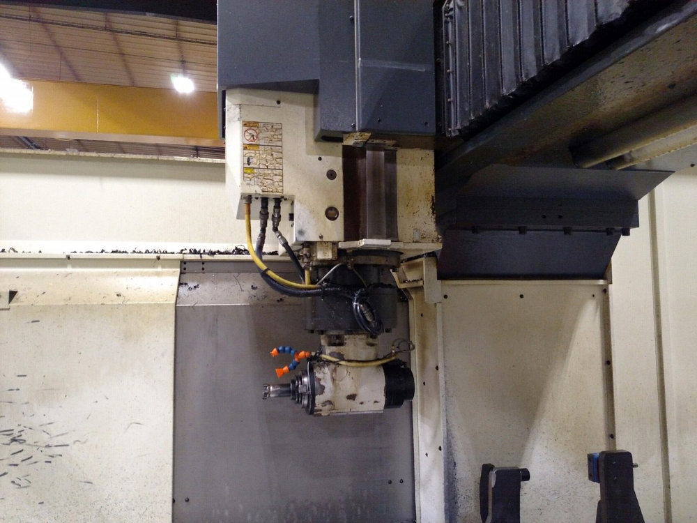 """Viper Pro 4210 AG Bridge Type CNC Vertical Milling Center, 163"""" x 78"""" Table, Right Angle Head, 40ATC - Image 4 of 11"""