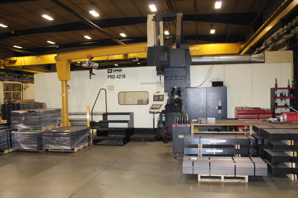 """Viper Pro 4210 AG Bridge Type CNC Vertical Milling Center, 163"""" x 78"""" Table, Right Angle Head, 40ATC - Image 2 of 11"""