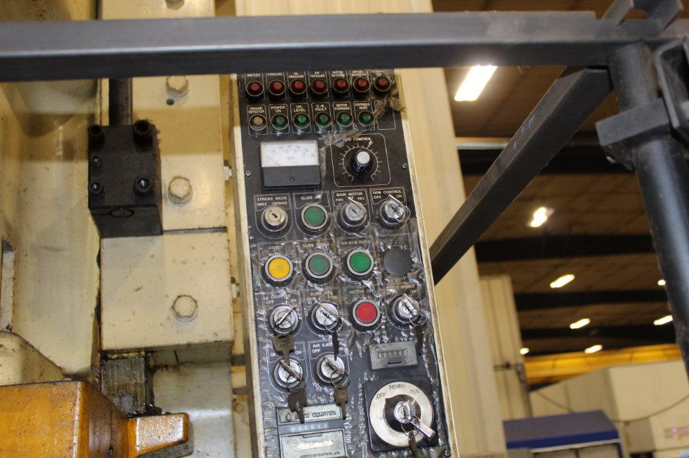 "Stamtec G1-260 Gap Frame Press, 286 Tons, 20-40 SPM, 59"" x 33"" Bed, Air Clutch / Brake - Image 8 of 9"