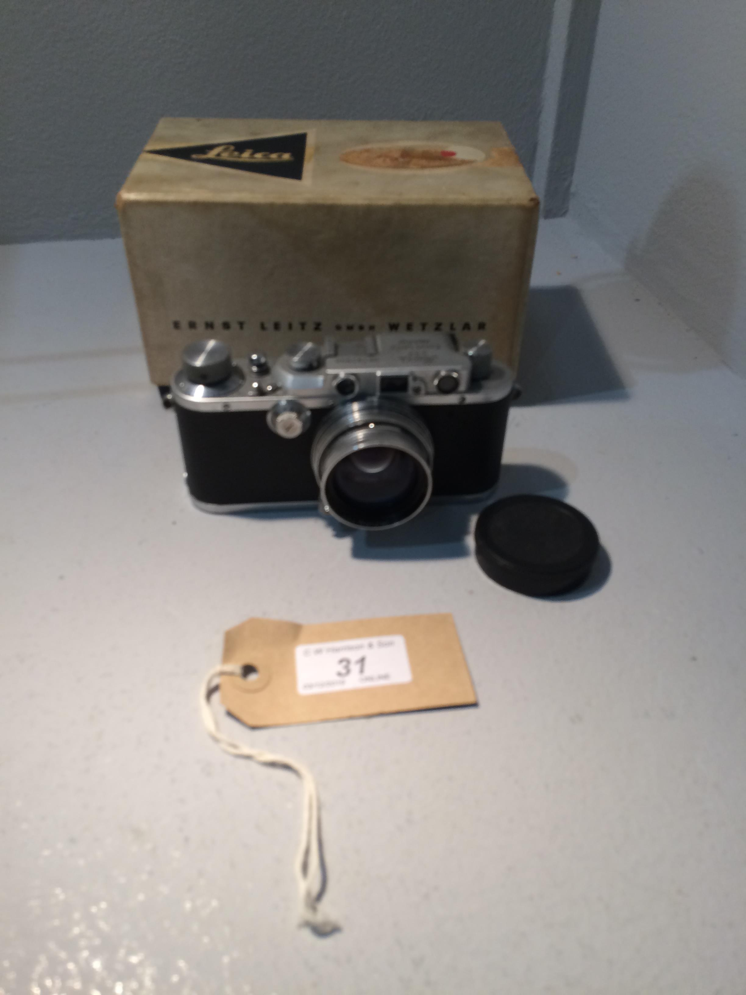 Lot 31 - Leica III - 191998 camera complete with box and manual for a Leica IIIG