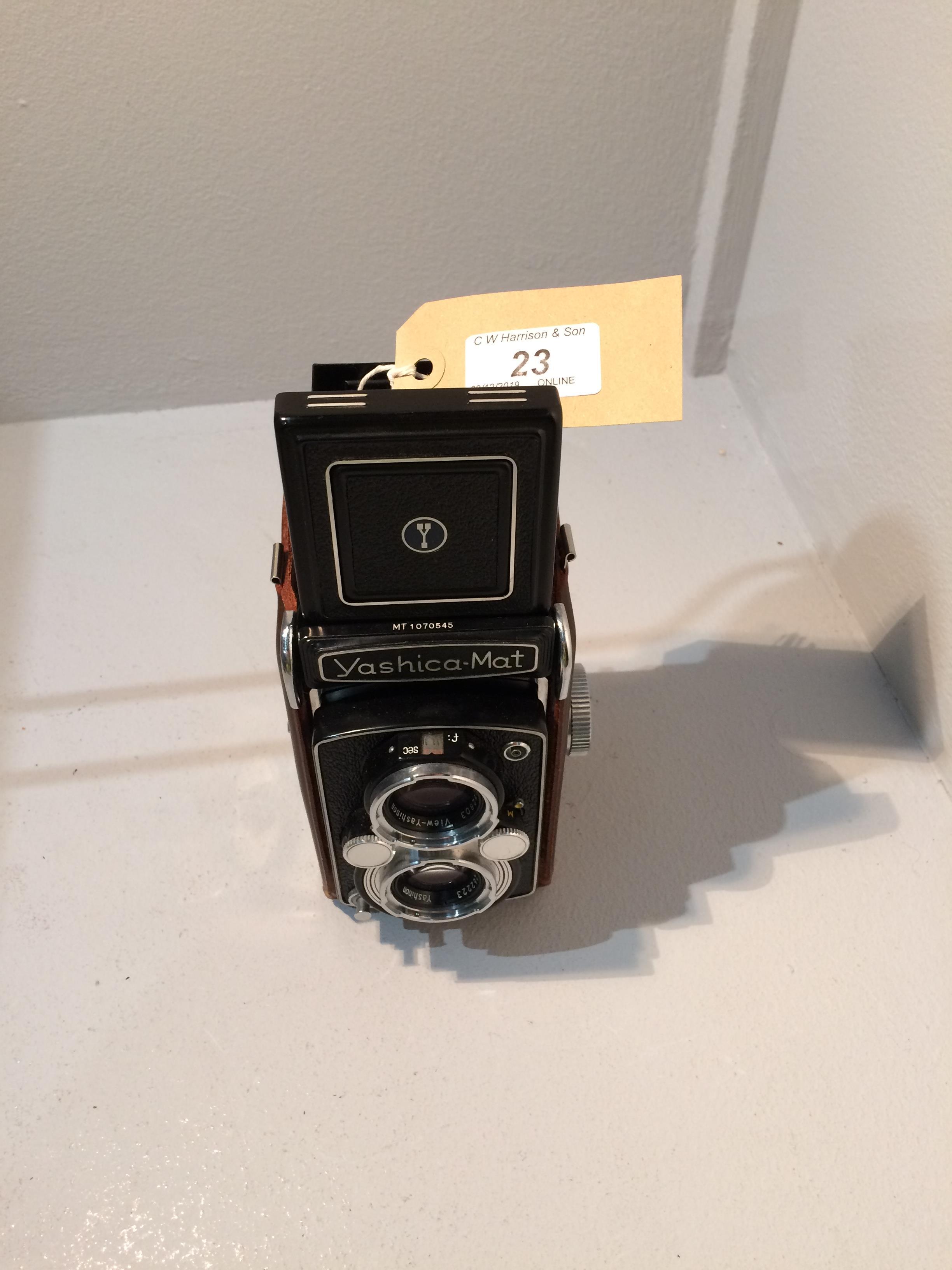 Lot 23 - Yashica Mat Copal MXV camera with Yashinon 1..