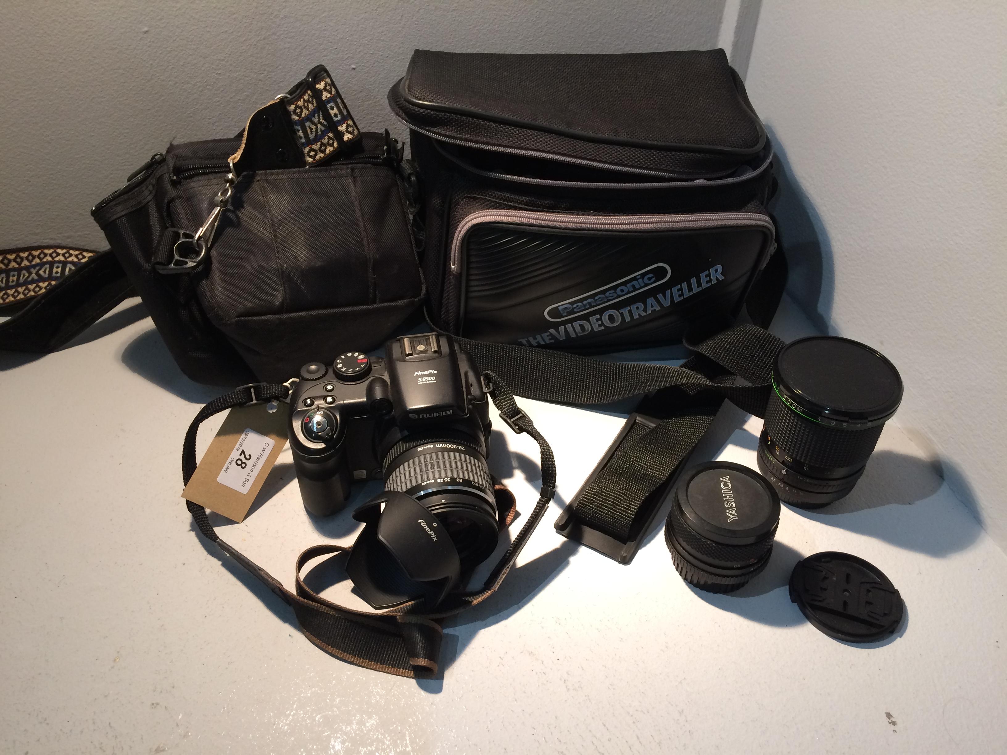 Lot 28 - Fujifilm Finepix S9500 digital camera complete with travel bag, Hanimex MC1..3.5 - 4.