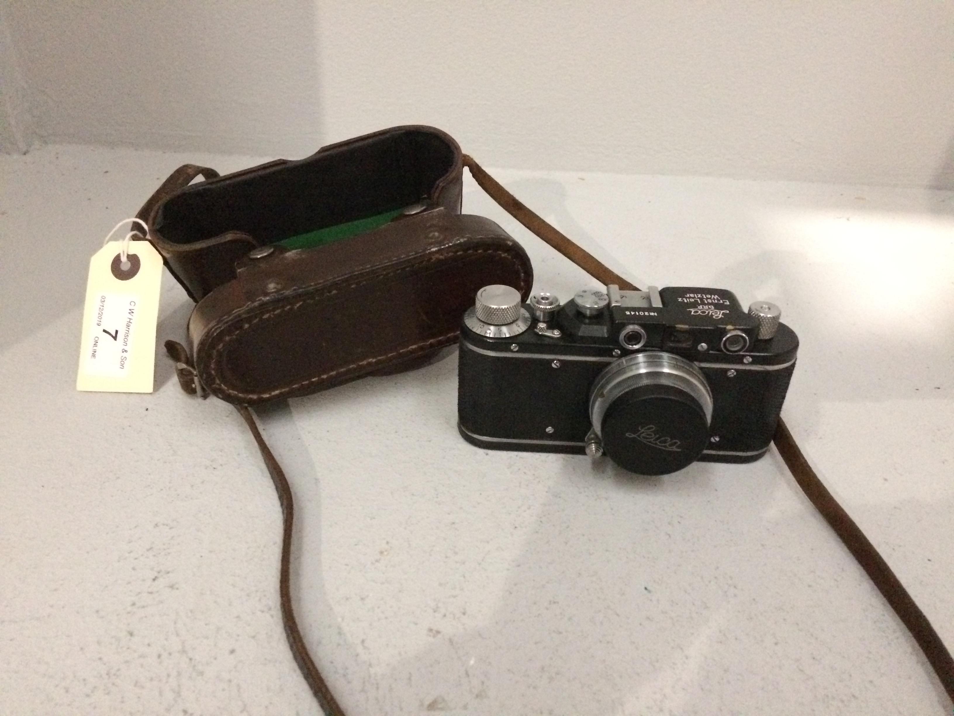 Lot 7 - Leica no. 20145 Ernst Leitz Wetzlar camera, Summar F=5cm 1.