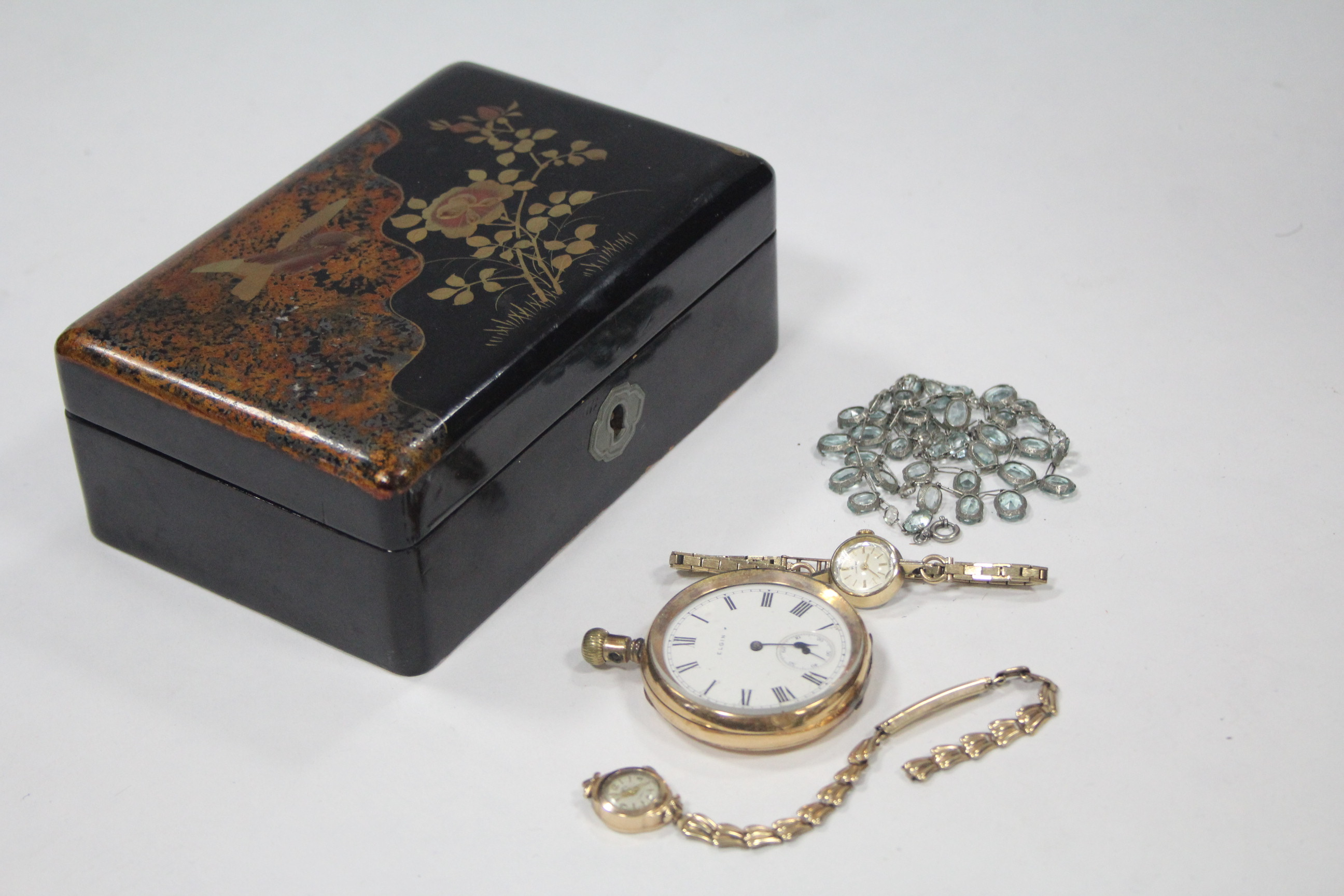 Lot 59 - A Hamilton ladies' wristwatch with 9ct. gold flexible bracelet (10.2 gm including watch-glass); a