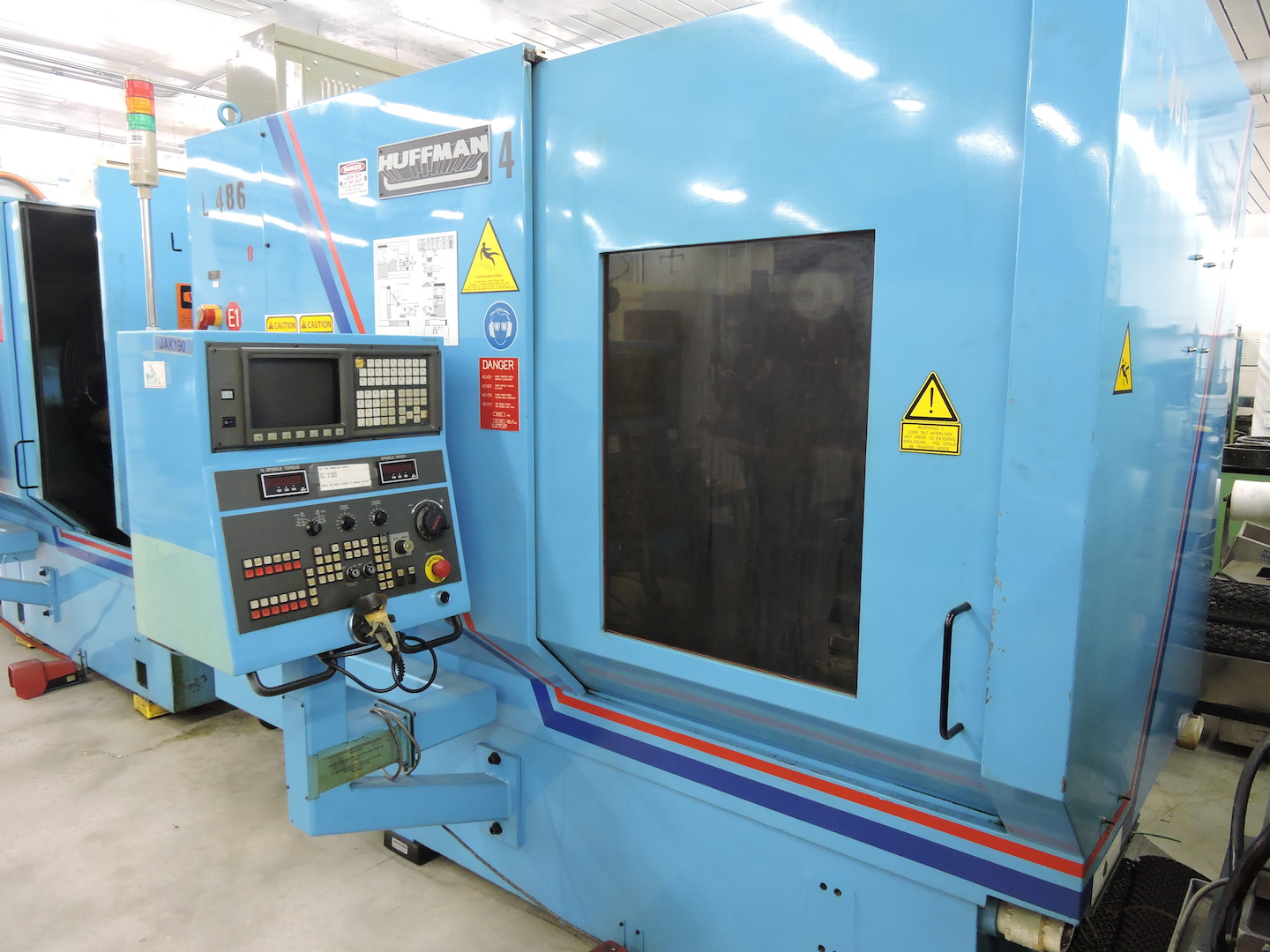 Lot 45 - HUFFMAN HS-195 5 AXIS GRINDER WITH FANUC 16 (LOCATION - DEERFIELD BEACH, FL) S/N 0977, (2006), GE
