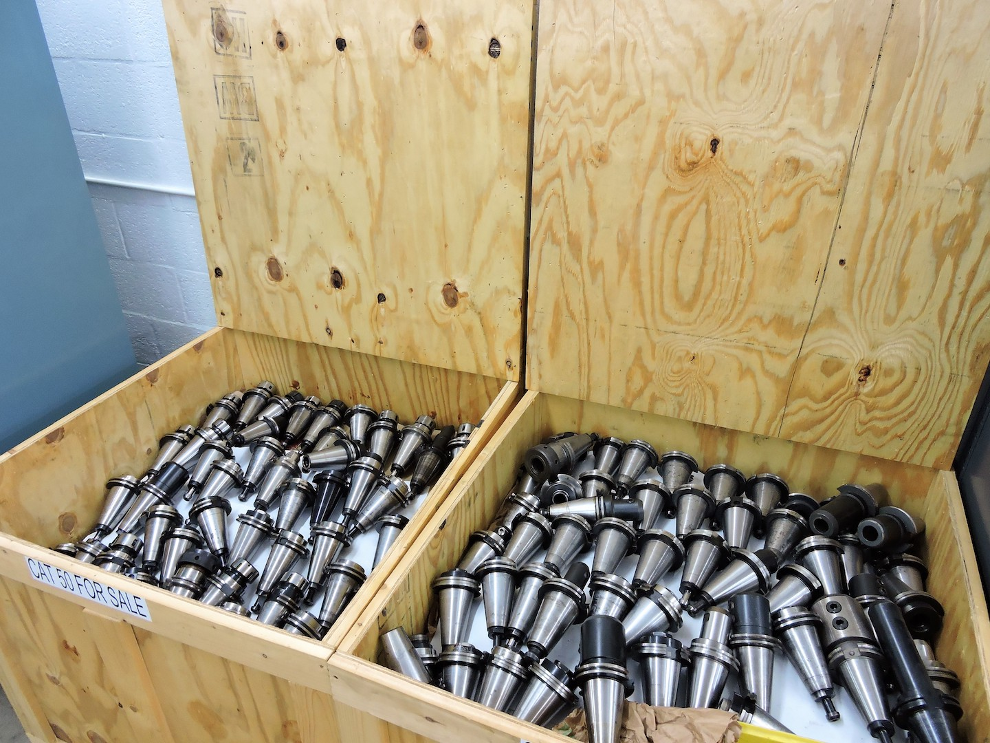 Lot 93 - LOT: (10) ASSORTED SIZE & TYPE CAT 50 TOOL HOLDERS (LOCATION - DEERFIELD BEACH, FL)