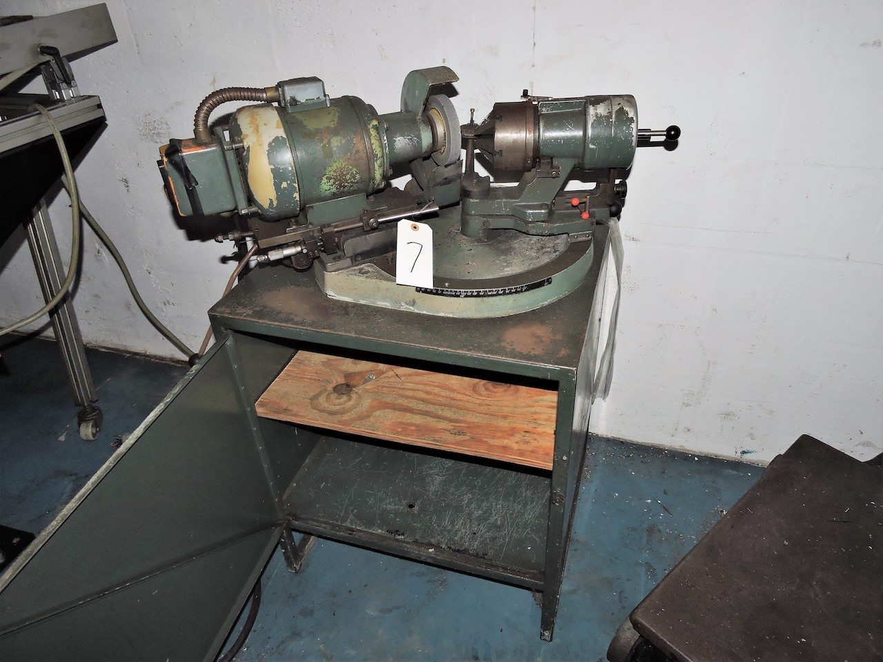 Lot 7 - GRYPHON TOOL SHARPENER WITH CHUCK AND CABINET