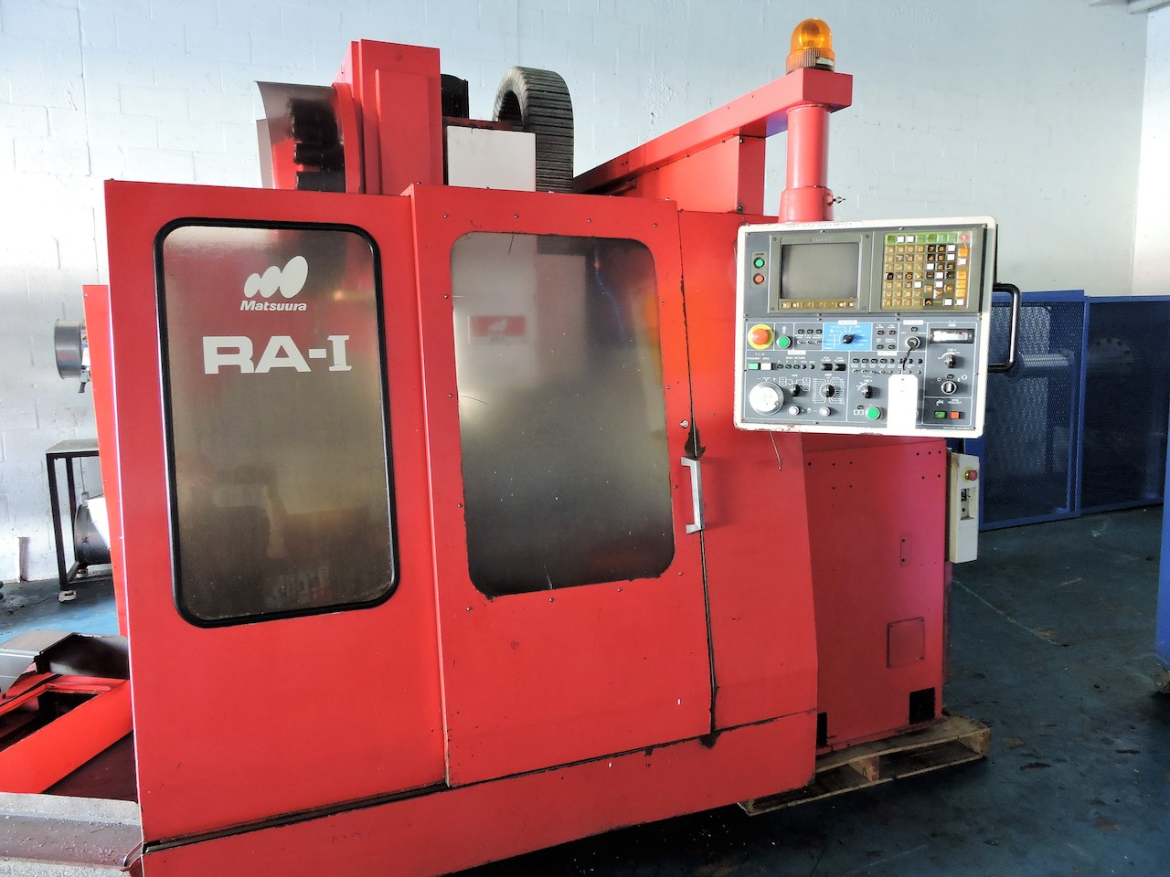 "Lot 2 - MATSUURA RA1 PALLET VERTICAL MACHINING CENTER; W/i-80 Control; X-Axis Travel: 20""; Y-Axis Travel:"
