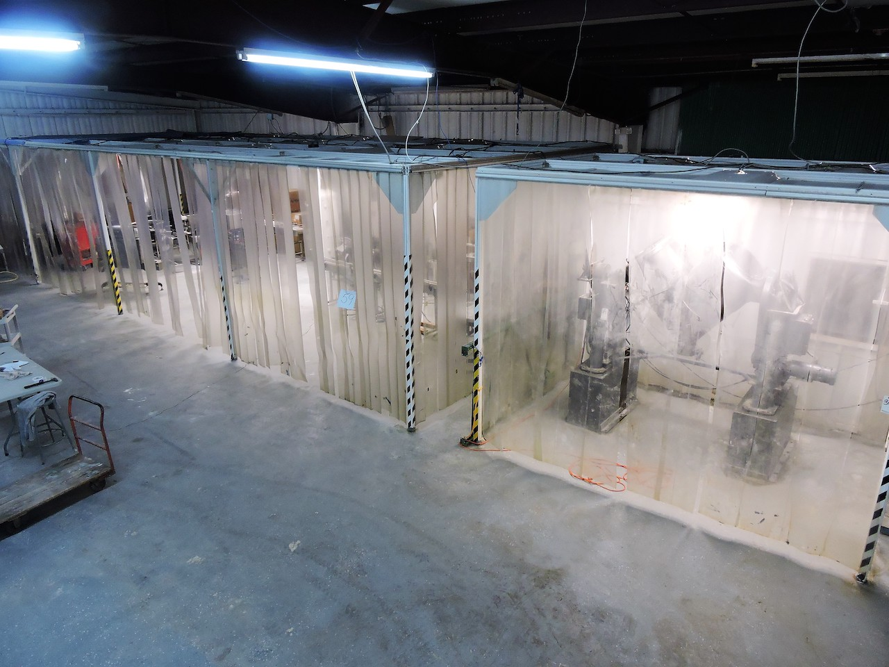 Lot 59 - AIR PRODUCTS SOFTWALL CLEAN ROOM 16 FT X 48 FT WITH 40 FT OF LIGHTING AND CEILING