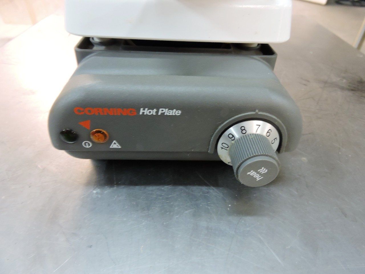 Lot 17 - CORNING HOT PLATE MODEL PC 200