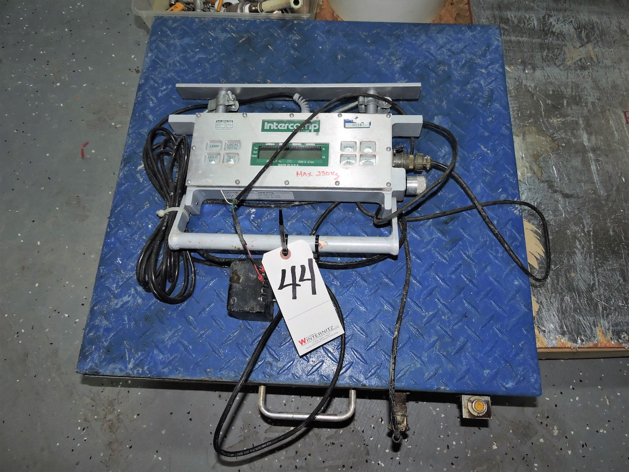 Lot 44 - INTERCOMP SCALE MODEL CW 250 250 KG