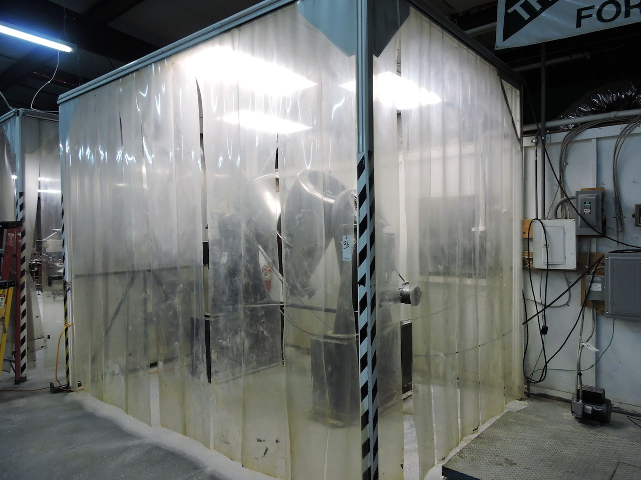 Lot 35 - TECHNICAL AIR SOFTWALL CLEAN ROOM 10FT X 12 FT