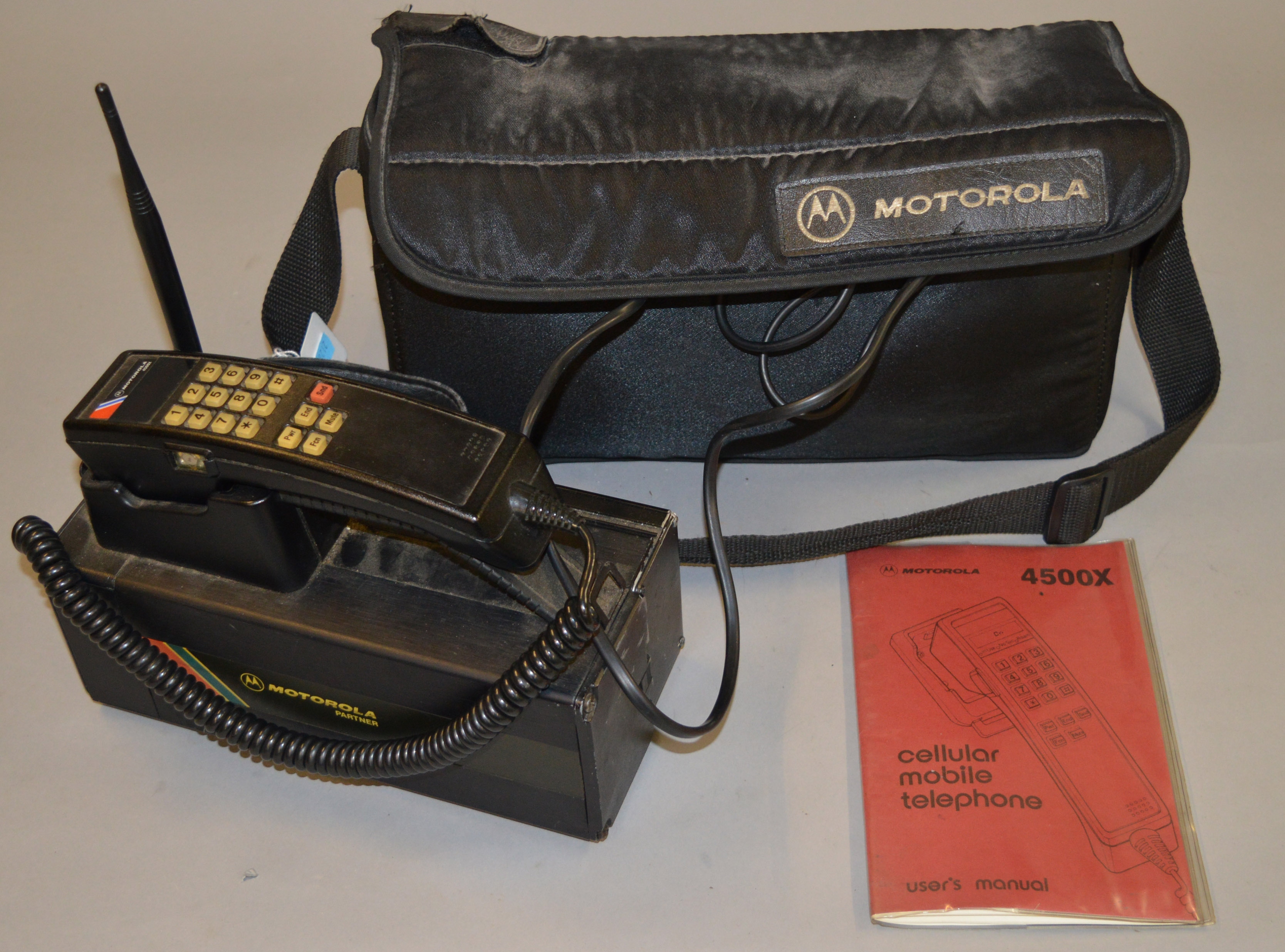 motorola 4500x. lot 170 - a motorola 4500x vintage cellular mobile telephone with case and instructions. 4500x 4
