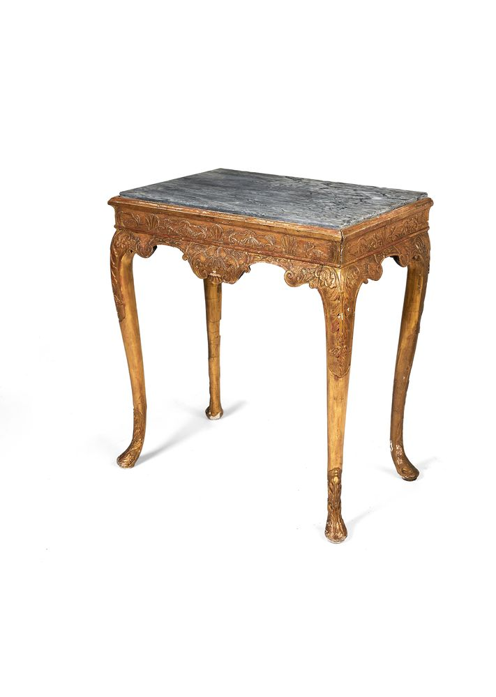 A George I style carved and gilt-gesso stand, late 19th/early 20th century