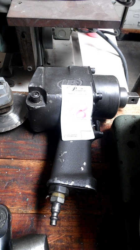 Lot 28 - INGERSOLL RAND IMPACT WRENCH