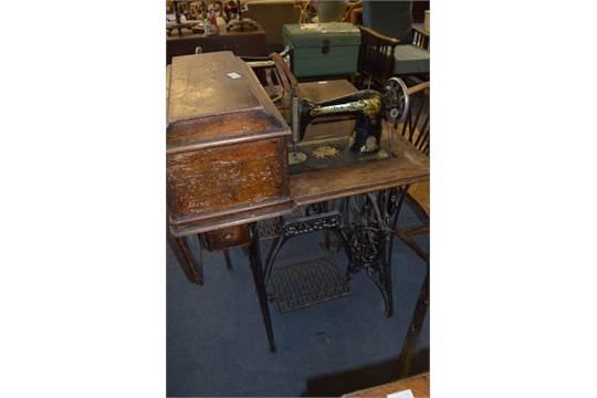 Singer Treadle Sewing Machine On Cast Iron Base Unique Sewing Machine Treadle Base