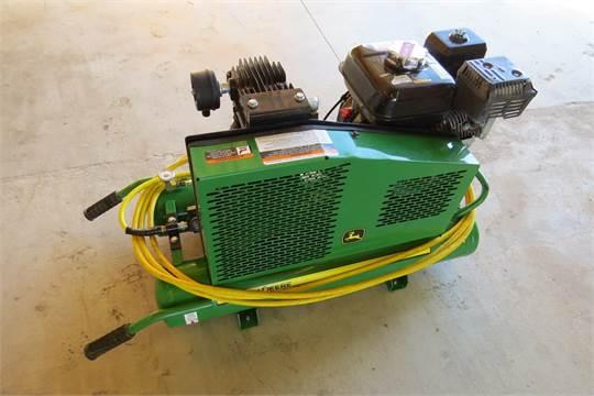 John Deere Air Compressor >> John Deere Model Ac1 8gh Wheel Barrow Style Contractor S Portable