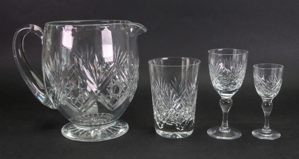 Lot 24 - A suite of Webb split and star cut glassware,