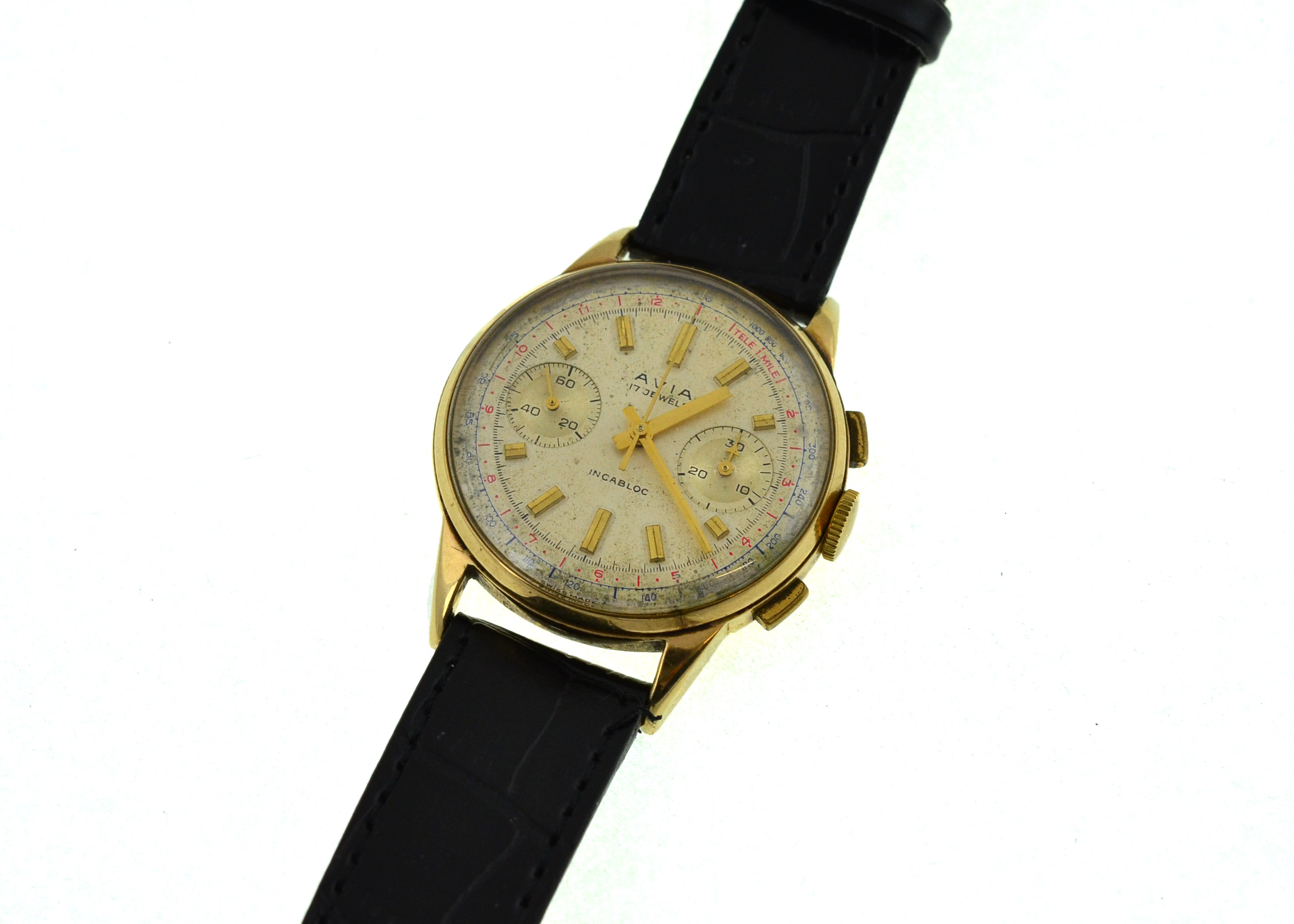 Lot 26 - A 9ct gents AVIA chronograph mechanical wristwatch, on later leather strap,