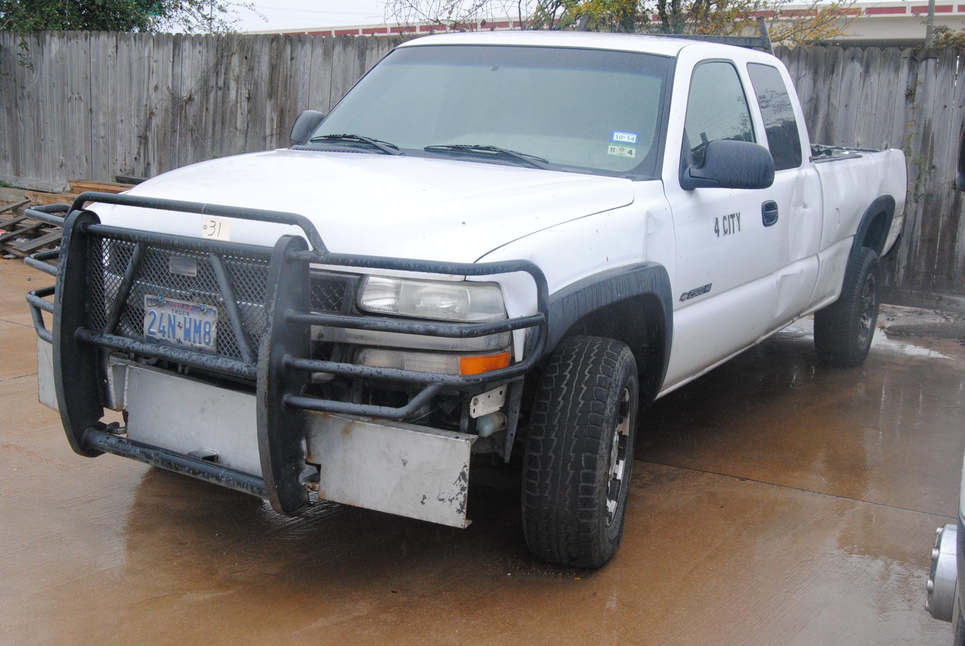 Lot 31 - '01 Chevrolet Work Truck