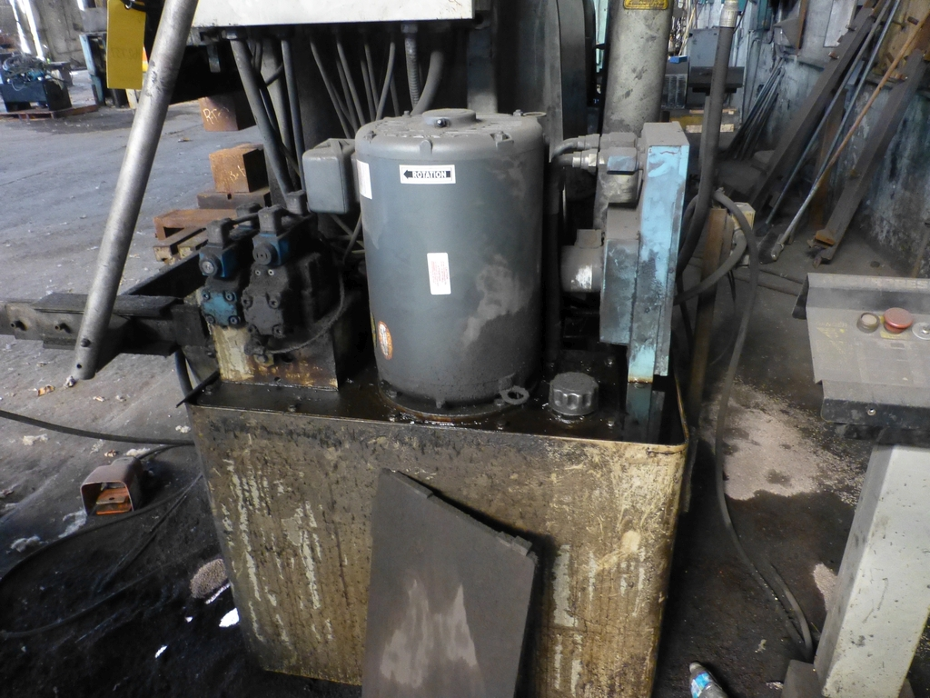 Acuurpress 8' x 130 Ton Hydrualic Press Brake|Model No. 71308; Pedestal Control; S/N 4896; - Image 4 of 8