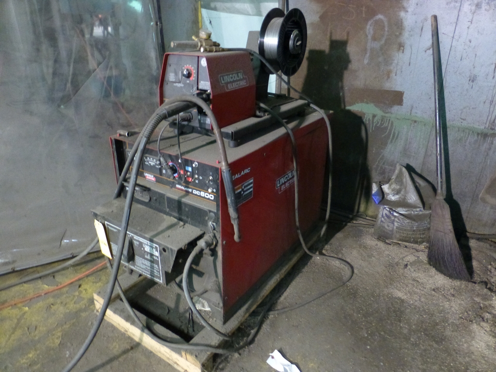 Lincoln Idealarc DC 600 Multi-Process Welder With LF-74 Wire Feed