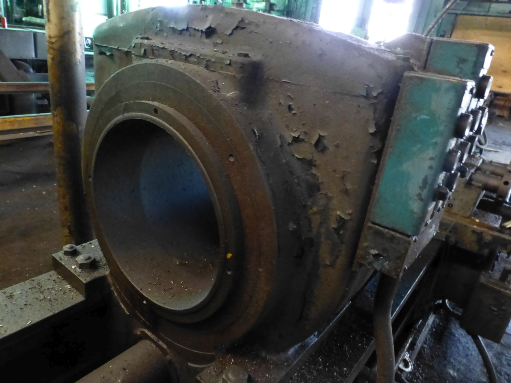 Betts Twin Carriage Center Drive Axle Lathe - Image 6 of 13