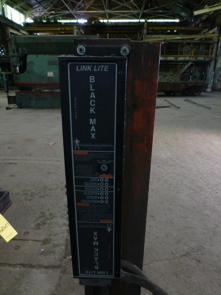 "Steelweld Mechanical Brake/Punch|Model: MO6-10; S/N: M-915; 12' 6""' LOA - 10' 6"" Between Housings; - Image 6 of 11"