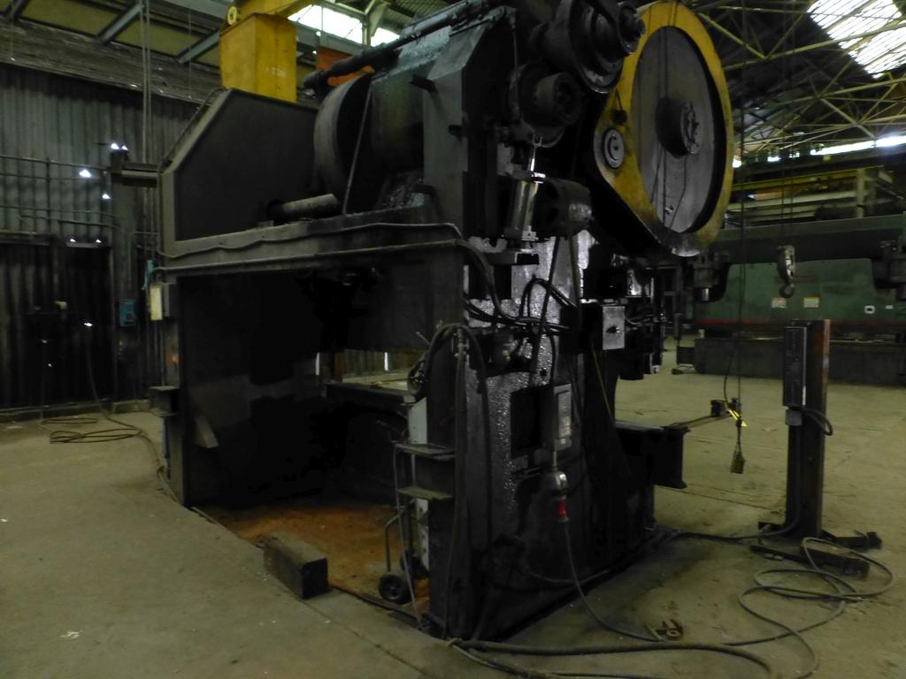 "Steelweld Mechanical Brake/Punch|Model: MO6-10; S/N: M-915; 12' 6""' LOA - 10' 6"" Between Housings; - Image 2 of 11"