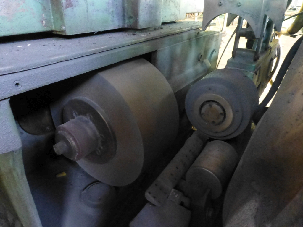 Landis Type R Centerless Grinder| Arranged as a Rail Car Axle Grinder - Image 5 of 8