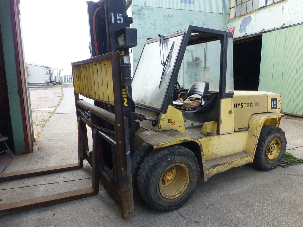 "Hyster XLZ Diesel Forklift|Capacity: 14,600 lb; 134"" Lift; Solid Tire; Side-Shift