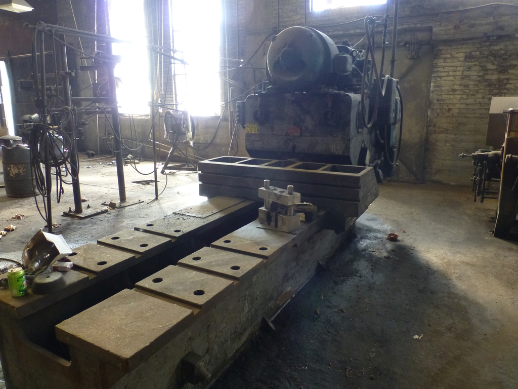 "Williams & White 100 Ton Hydraulic Bulldozer|12"" x 60"" Cross Head; S/N: 0-3154"