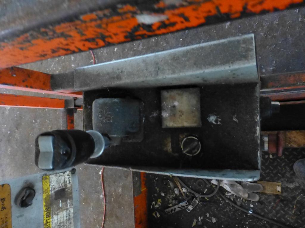 "Skyjack SJII 3220 Electric Scissor Lift|28"" x 84"" Platform; 20' Max. Platform Height; 800 Lb. - Image 5 of 6"