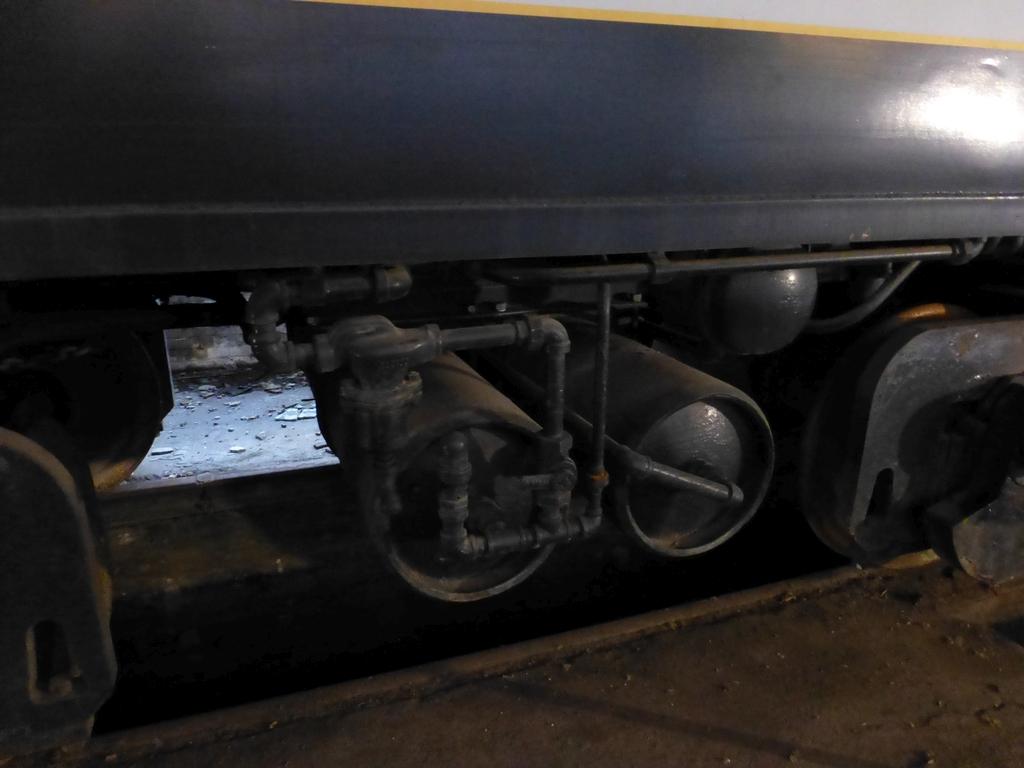 45-Ton GE Locomotive|S/N 15143 - Image 15 of 19