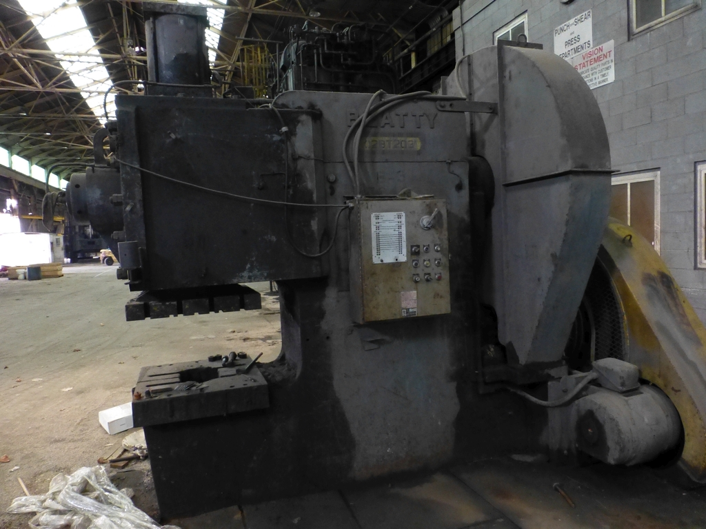 """Beatty 425-Ton Mechanical C-Frame Punch