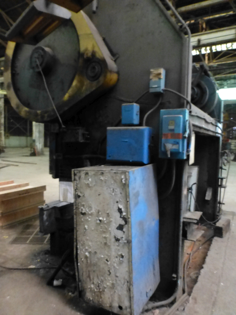 "Steelweld Mechanical Brake/Punch|Model: MO6-10; S/N: M-915; 12' 6""' LOA - 10' 6"" Between Housings; - Image 9 of 11"