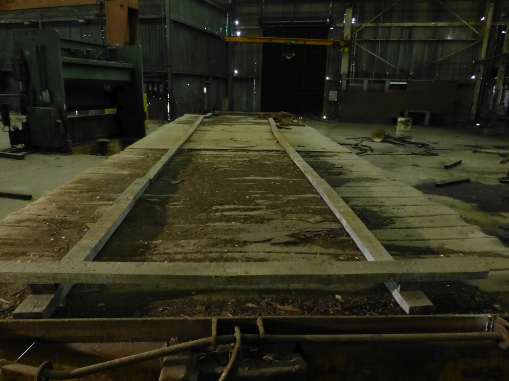 32' Flatbed Material Transport Rail Car 9' Wide - Image 7 of 9