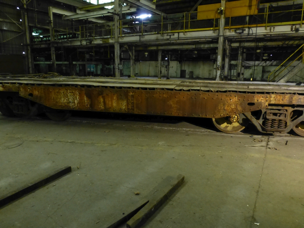 32' Flatbed Material Transport Rail Car 9' Wide - Image 4 of 9